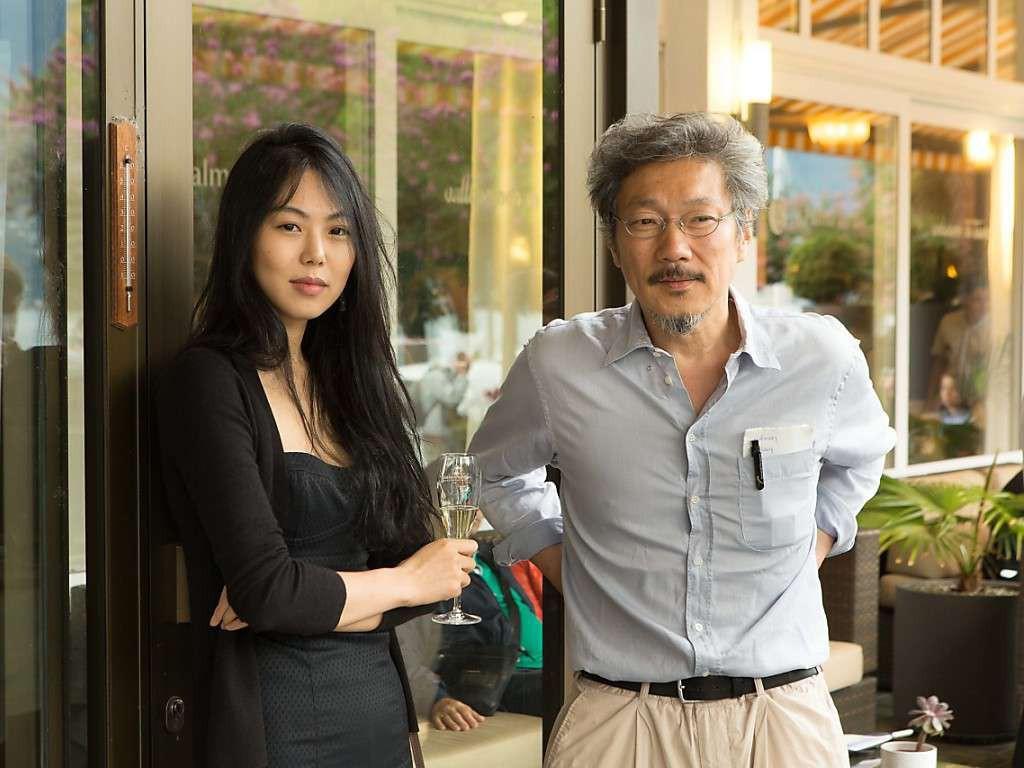 """Kim Min Hee và đạo diễn già Hong Sang Soo: Cặp đôi """"ngoại tình"""" bị nước Hàn ghét bỏ tự làm phim khóc cuộc tình mình? - Ảnh 1."""