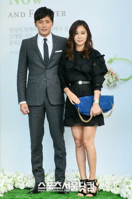"""Khi 2 quý ông """"đã vợ"""" Jang Dong Gun và Song Joong Ki đại chiến: Thành công từ sự nghiệp đến """"tội đồ"""" cướp đi quốc bảo xứ Hàn! - Ảnh 13."""