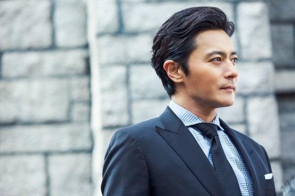"""Khi 2 quý ông """"đã vợ"""" Jang Dong Gun và Song Joong Ki đại chiến: Thành công từ sự nghiệp đến """"tội đồ"""" cướp đi quốc bảo xứ Hàn! - Ảnh 2."""