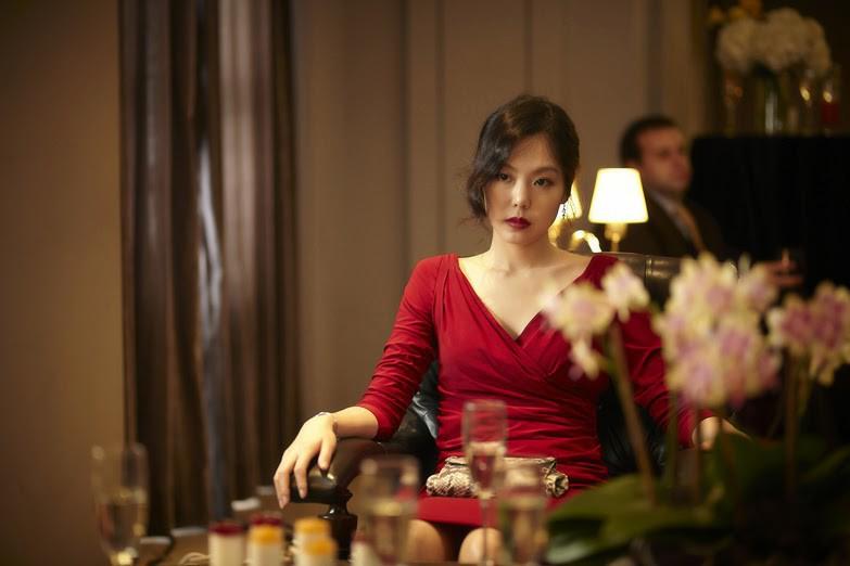 """Kim Min Hee và đạo diễn già Hong Sang Soo: Cặp đôi """"ngoại tình"""" bị nước Hàn ghét bỏ tự làm phim khóc cuộc tình mình? - Ảnh 2."""