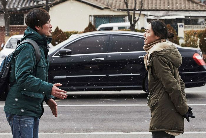 """Kim Min Hee và đạo diễn già Hong Sang Soo: Cặp đôi """"ngoại tình"""" bị nước Hàn ghét bỏ tự làm phim khóc cuộc tình mình? - Ảnh 9."""