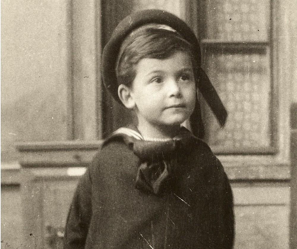 """Cuộc đời người đàn ông có IQ cao nhất thế giới: Từ đứa trẻ bị """"chín ép"""" bởi kỳ vọng của bố mẹ đến bi kịch đến từ 2 chữ """"thần đồng"""" - Ảnh 1."""