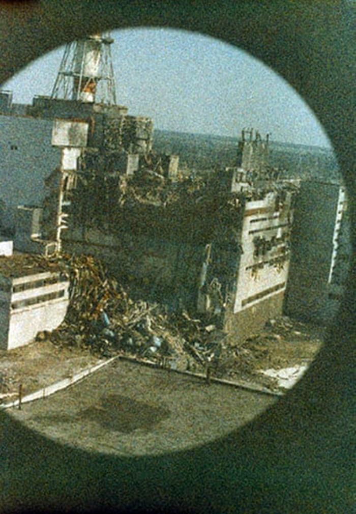 """Những bức ảnh """"hơn vạn lời nói"""" cho thấy mức độ khủng khiếp của thảm họa hạt nhân Chernobyl - vùng đất chết chóc không biết bao giờ mới hồi sinh - Ảnh 1."""