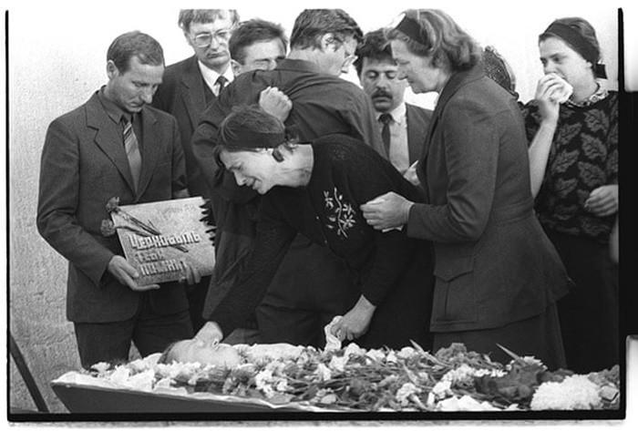 """Những bức ảnh """"hơn vạn lời nói"""" cho thấy mức độ khủng khiếp của thảm họa hạt nhân Chernobyl - vùng đất chết chóc không biết bao giờ mới hồi sinh - Ảnh 13."""
