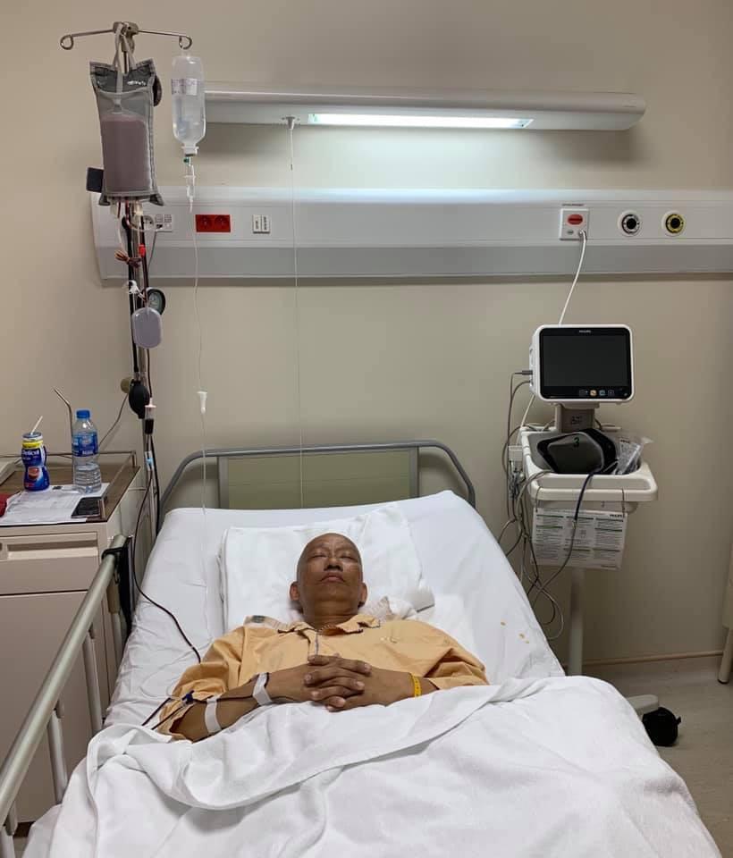 Những hình ảnh đầu tiên của nhạc sĩ Xuân Hiếu trên giường bệnh trị ung thư tiết niệu: Không thể nhận ra vị nhạc sĩ thư sinh có nụ cười đôn hậu ngày nào - Ảnh 3.