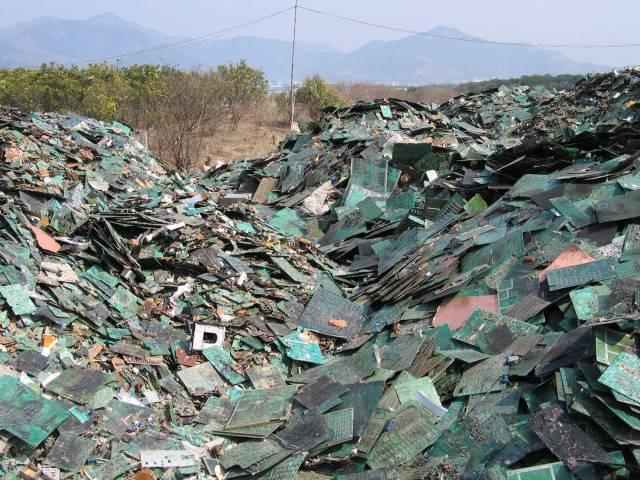 Phát hoảng trước những bãi rác chất cao như núi ở khắp nơi trên thế giới, có bãi rác cao hơn 65 mét, rộng hơn 40 sân bóng đá - Ảnh 11.