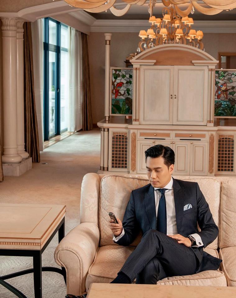 Vợ chồng diễn viên Việt Anh đồng loạt đăng trạng thái Độc thân, rộ nghi án đường ai nấy đi - Ảnh 3.