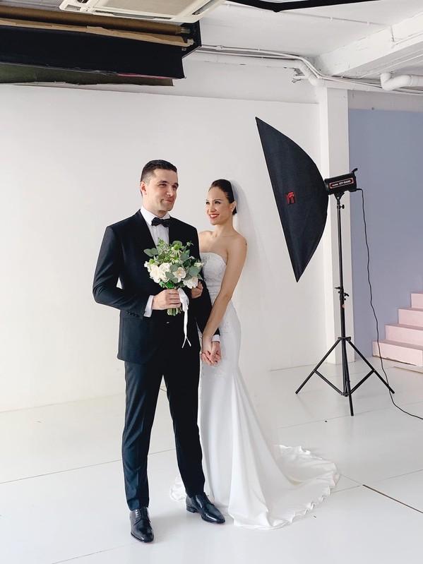 """Khoe áo đoan trang mặc trong lễ cưới, MC Phương Mai lại chia sẻ """"đòi mặc váy sexy là ăn tát liền"""" - Ảnh 3."""