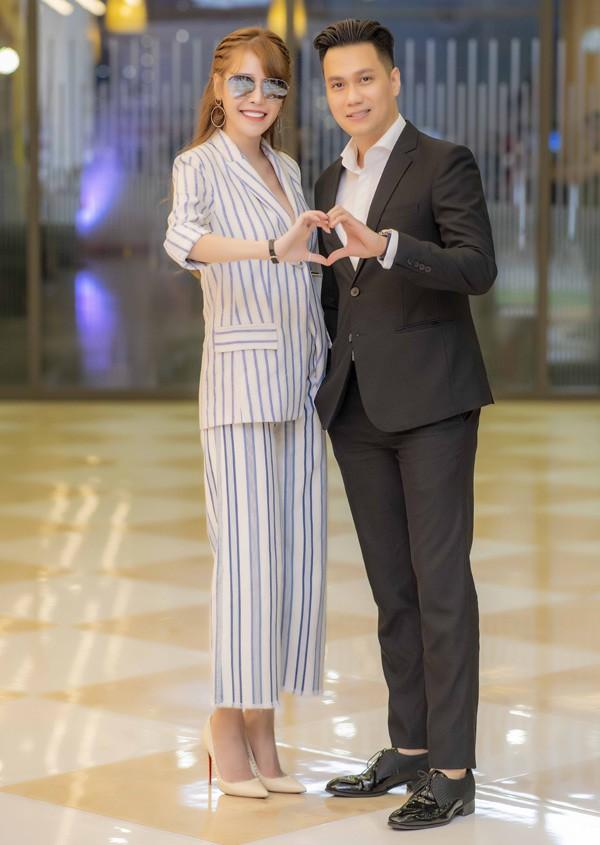 """Chỉ mới kết hôn 4 năm, vợ chồng Việt Anh đã """"5 lần 7 lượt"""" gây xôn xao với loạt nghi án rạn nứt - Ảnh 3."""