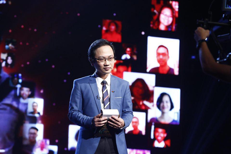 """Rò rỉ thông tin hiếm hoi về chú rể của MC Phí Linh: Phó trưởng phòng tiếng Anh, """"người đứng sau"""" nhiều chương trình lớn của VTV4 - Ảnh 6."""