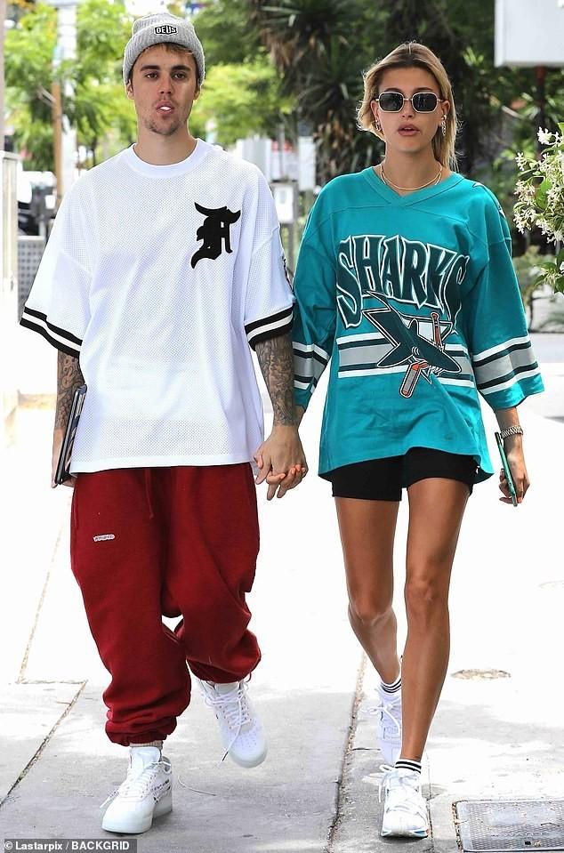Vợ chồng Justin Bieber – Hailey Baldwin chuẩn bị làm đám cưới vào tháng 9 tới sau khi cùng nhau đi mua nhẫn kim cương - Ảnh 1.