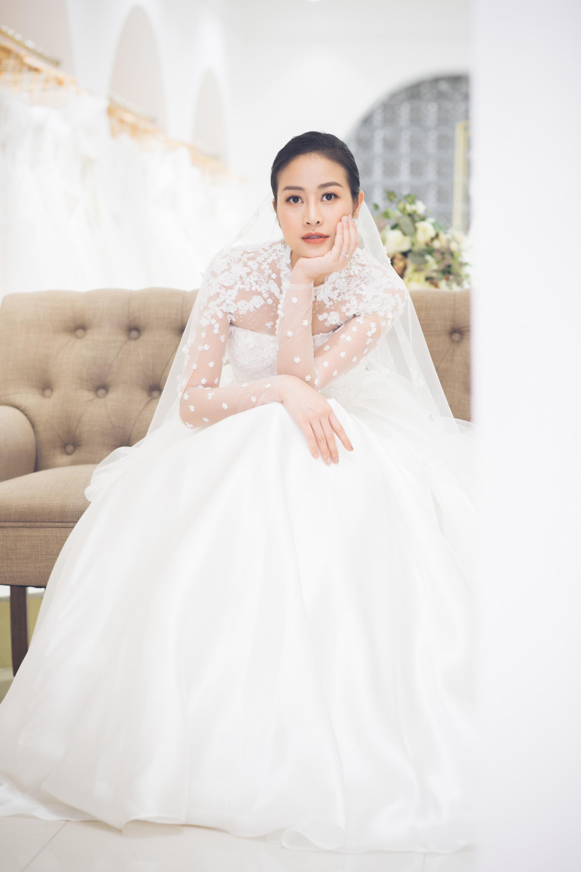 Trọn bộ ảnh xinh đẹp lộng lẫy của cô dâu MC Phí Linh trước ngày cưới, vẫn nhất định giữ kín dung nhan chú rể  - Ảnh 1.