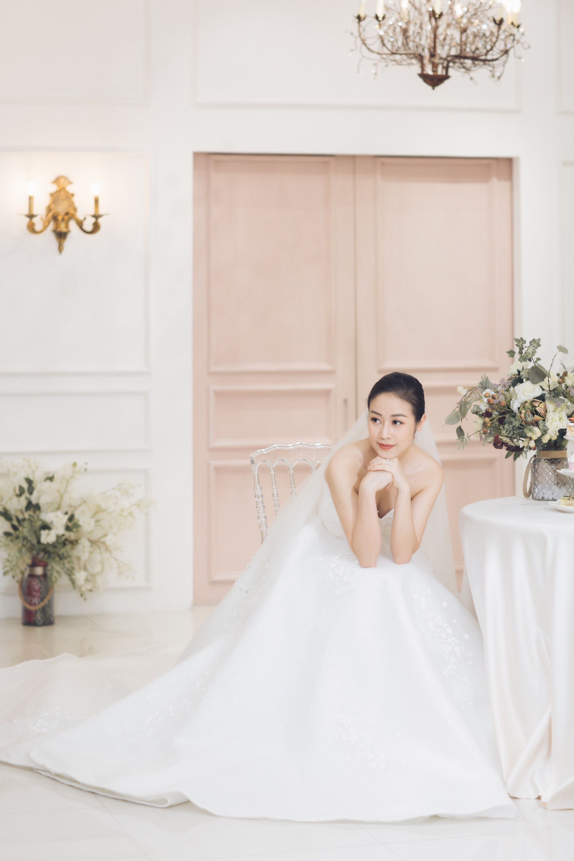 Trọn bộ ảnh xinh đẹp lộng lẫy của cô dâu MC Phí Linh trước ngày cưới, vẫn nhất định giữ kín dung nhan chú rể  - Ảnh 2.