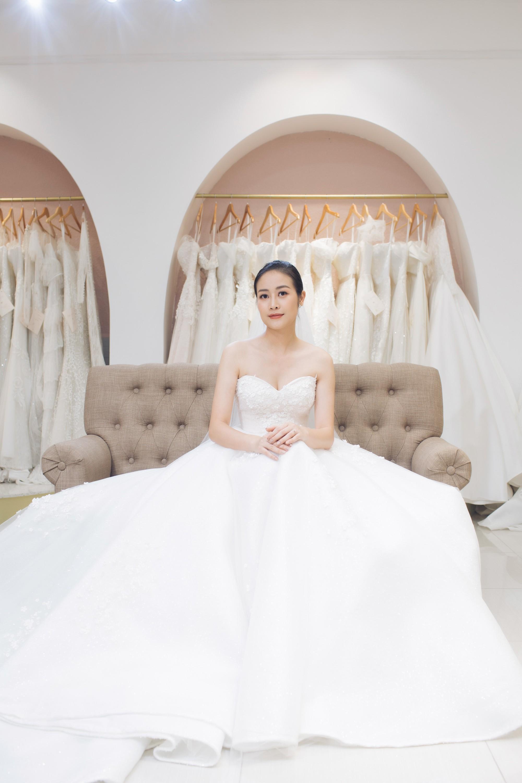 Trọn bộ ảnh xinh đẹp lộng lẫy của cô dâu MC Phí Linh trước ngày cưới, vẫn nhất định giữ kín dung nhan chú rể  - Ảnh 3.