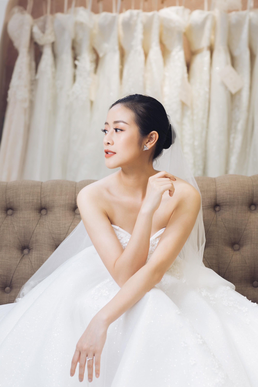 Trọn bộ ảnh xinh đẹp lộng lẫy của cô dâu MC Phí Linh trước ngày cưới, vẫn nhất định giữ kín dung nhan chú rể  - Ảnh 4.