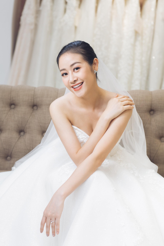 Trọn bộ ảnh xinh đẹp lộng lẫy của cô dâu MC Phí Linh trước ngày cưới, vẫn nhất định giữ kín dung nhan chú rể  - Ảnh 5.