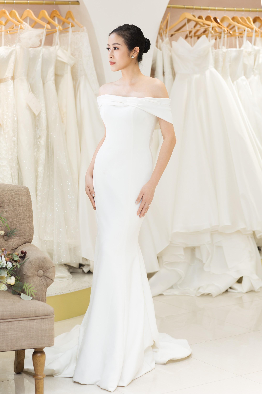 Trọn bộ ảnh xinh đẹp lộng lẫy của cô dâu MC Phí Linh trước ngày cưới, vẫn nhất định giữ kín dung nhan chú rể  - Ảnh 6.