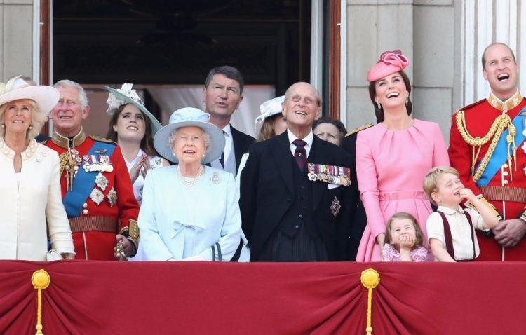 Lời khuyên nuôi dạy con của Hoàng gia Anh khiến Công nương Meghan dù theo đuổi phương pháp riêng cũng phải tham khảo - Ảnh 3.
