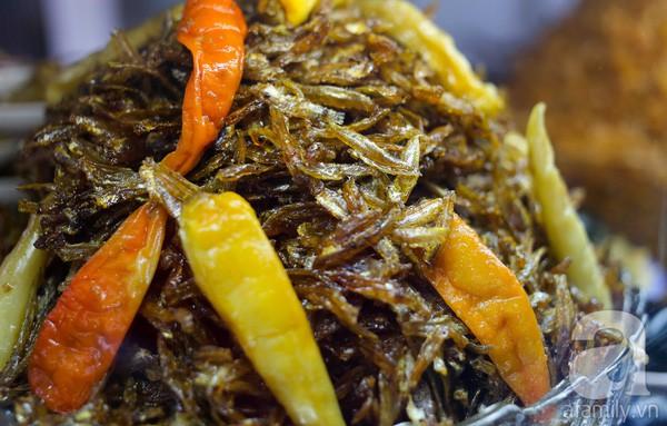 Cháo trắng lá dứa, món ăn thanh đạm đêm khuya của người Sài Gòn - Ảnh 8.