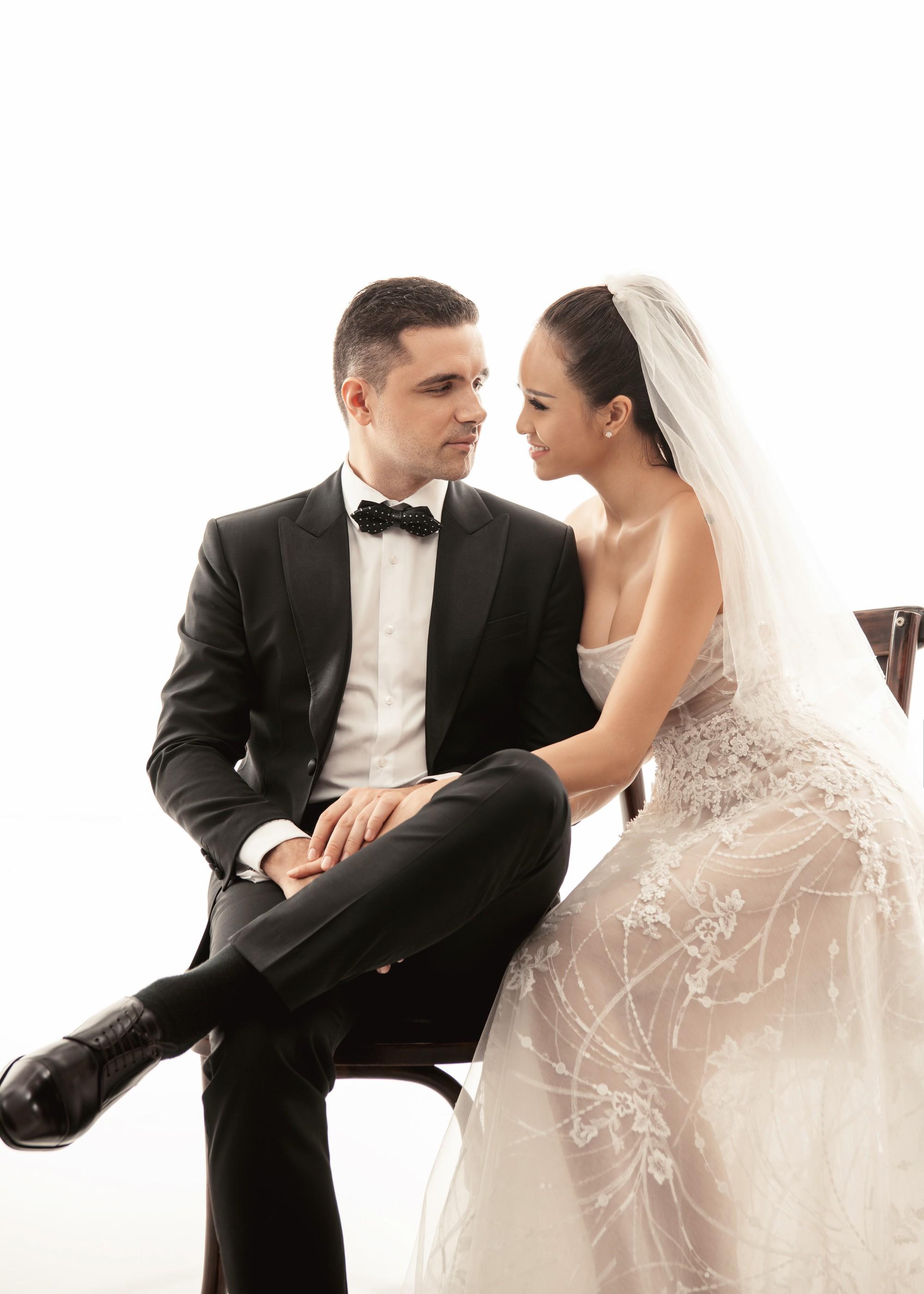 Trọn bộ ảnh cưới ngọt ngào đến tan chảy của Phương Mai và chồng Tây đẹp trai như tài tử - Ảnh 13.