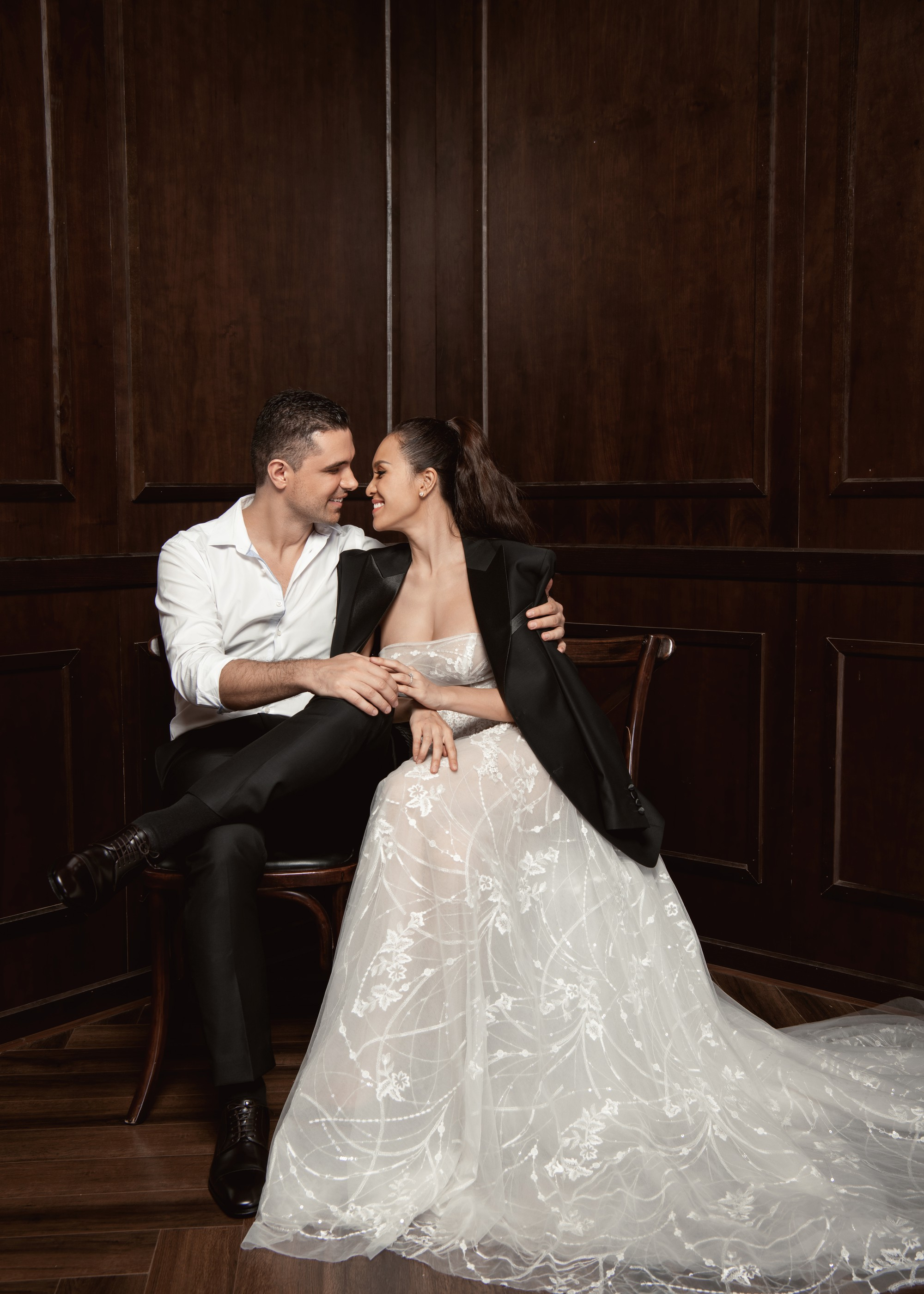 Trọn bộ ảnh cưới ngọt ngào đến tan chảy của Phương Mai và chồng Tây đẹp trai như tài tử - Ảnh 15.