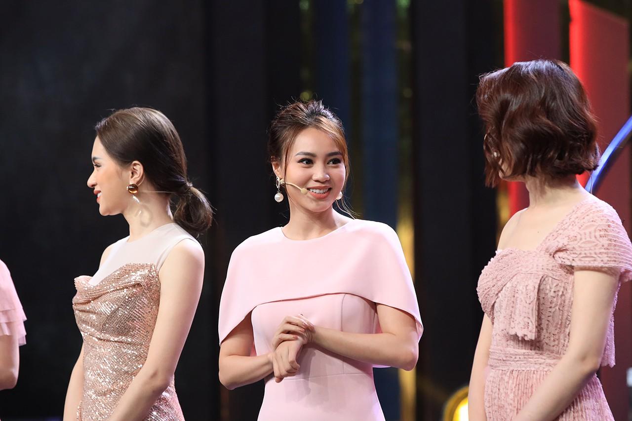 Hoa hậu Hương Giang hốt hoảng khi Lan Ngọc rủ rê trai đẹp về chung nhà chỉ sau 1 lần gặp mặt  - Ảnh 5.