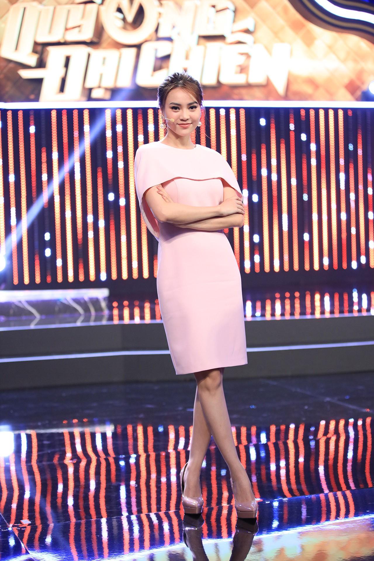Hoa hậu Hương Giang hốt hoảng khi Lan Ngọc rủ rê trai đẹp về chung nhà chỉ sau 1 lần gặp mặt  - Ảnh 7.