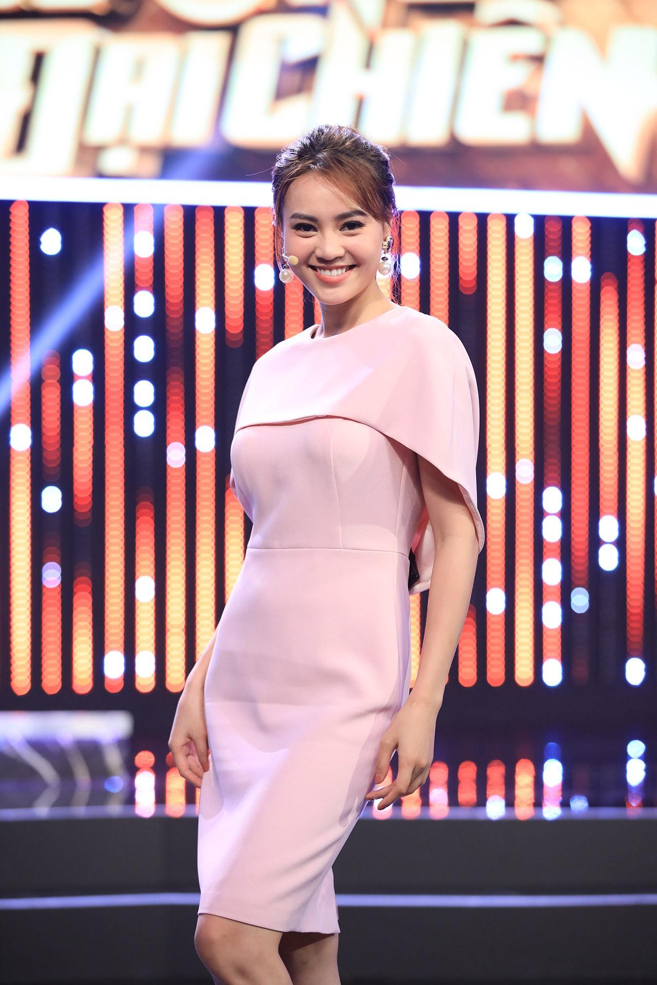 Hoa hậu Hương Giang hốt hoảng khi Lan Ngọc rủ rê trai đẹp về chung nhà chỉ sau 1 lần gặp mặt  - Ảnh 8.