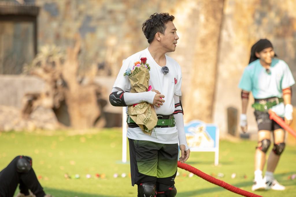 """Running Man: Trấn Thành ôm Lan Ngọc, Hari Won """"đá đểu"""" cuộc chơi thì ngắn nhưng cuộc đời thì dài - Ảnh 10."""