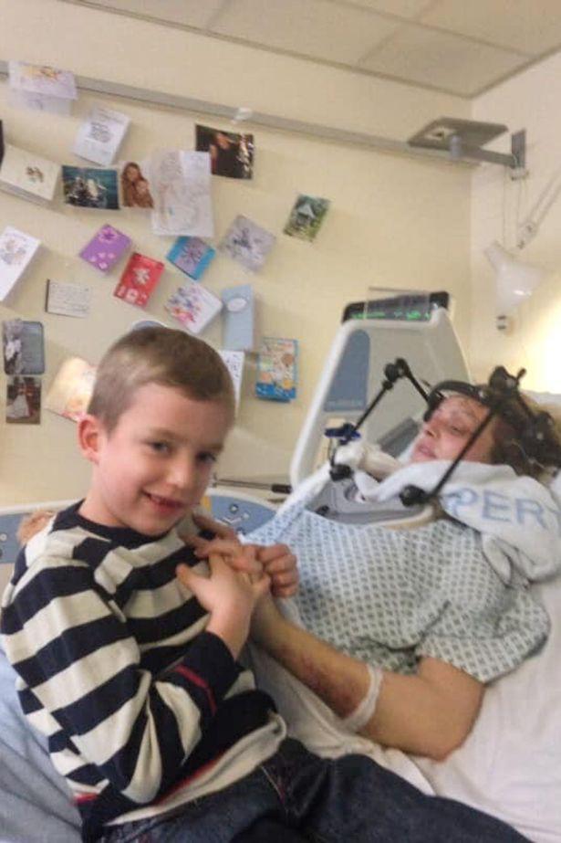 Bị bác sĩ phán vô sinh sau tai nạn thảm khốc, mẹ khuyết tật vẫn làm được điều kì tích khiến bao người kinh ngạc - Ảnh 1.