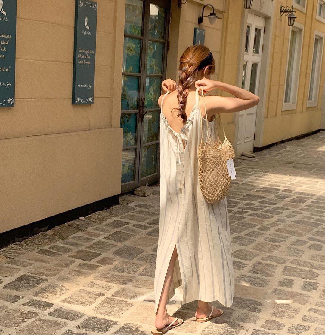 Trời oi bức kinh hoàng, bạn sẽ cần đến gợi ý ăn mặc mát mẻ mà vẫn đẹp xỉu từ các cô nàng Hàn Quốc sành mặc tuần qua - Ảnh 4.