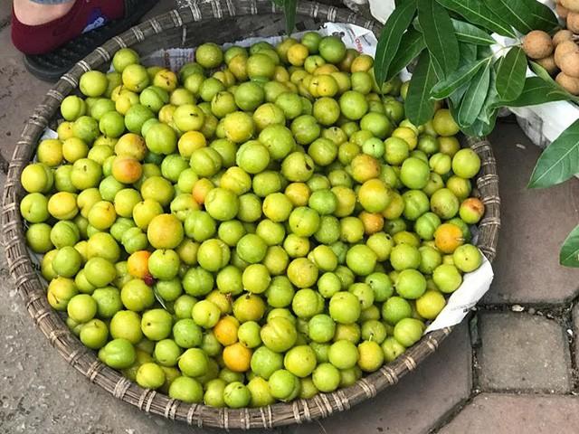 Ba loại quả hàng Trung Quốc tràn ngập chợ đang hút khách Việt ham rẻ - Ảnh 1.