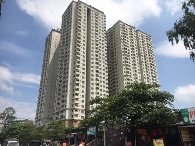 Hà Nội tạm dừng thu hồi sổ hồng tại các chung cư vi phạm xây dựng - Ảnh 1.