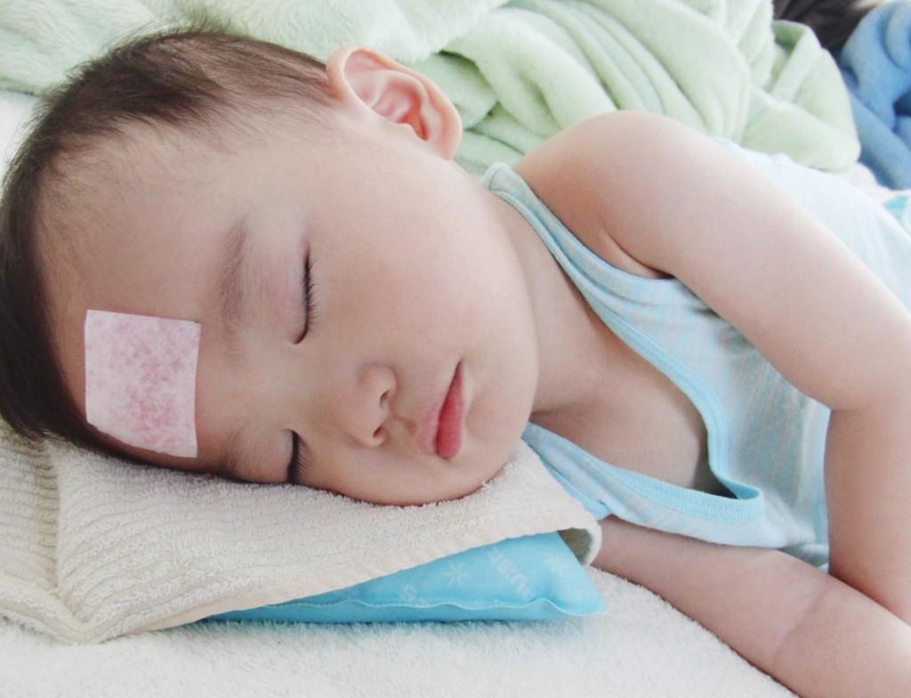 Sốt phát ban ở trẻ: 4 bài thuốc dân gian chữa bệnh cực tốt, khỏi hẳn sau 7 ngày nhưng ít người biết - Ảnh 3.