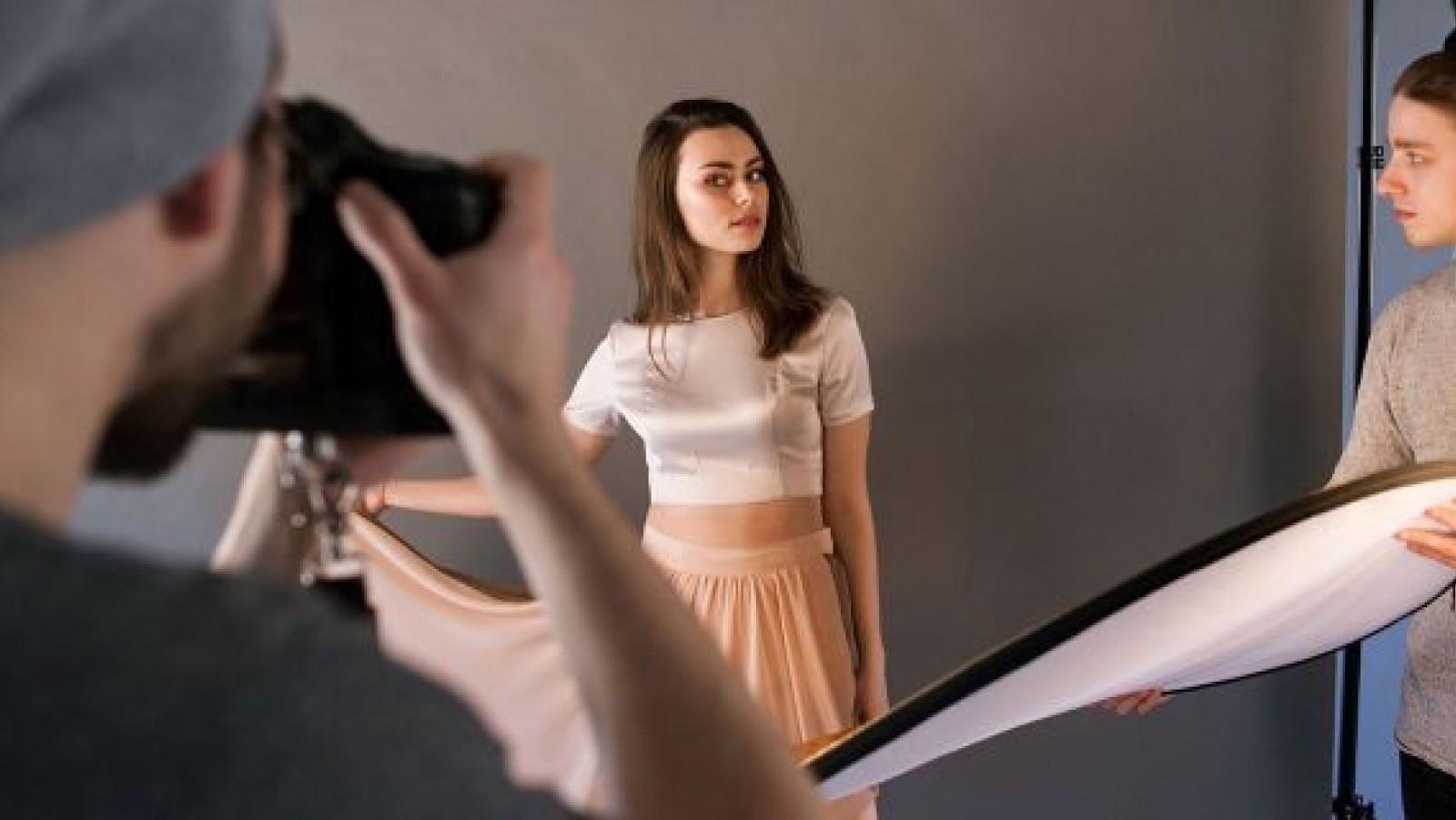 Góc tối của nghề người mẫu: Vừa chụp ảnh không công vừa phục tùng nhiếp ảnh gia như vua chúa, không được gọi bằng tên mà chỉ gọi bằng số - Ảnh 9.