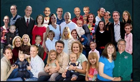 Bí quyết của một gia đình Mỹ nuôi dạy 12 con nên người - Ảnh 1.