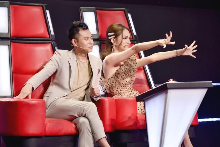 """Hoa hậu Hương Giang khẩu chiến với đàn chị trên ghế nóng The Voice Kids, chưa bao giờ nàng Hoa hậu """"dữ dằn"""" đến thế - Ảnh 12."""