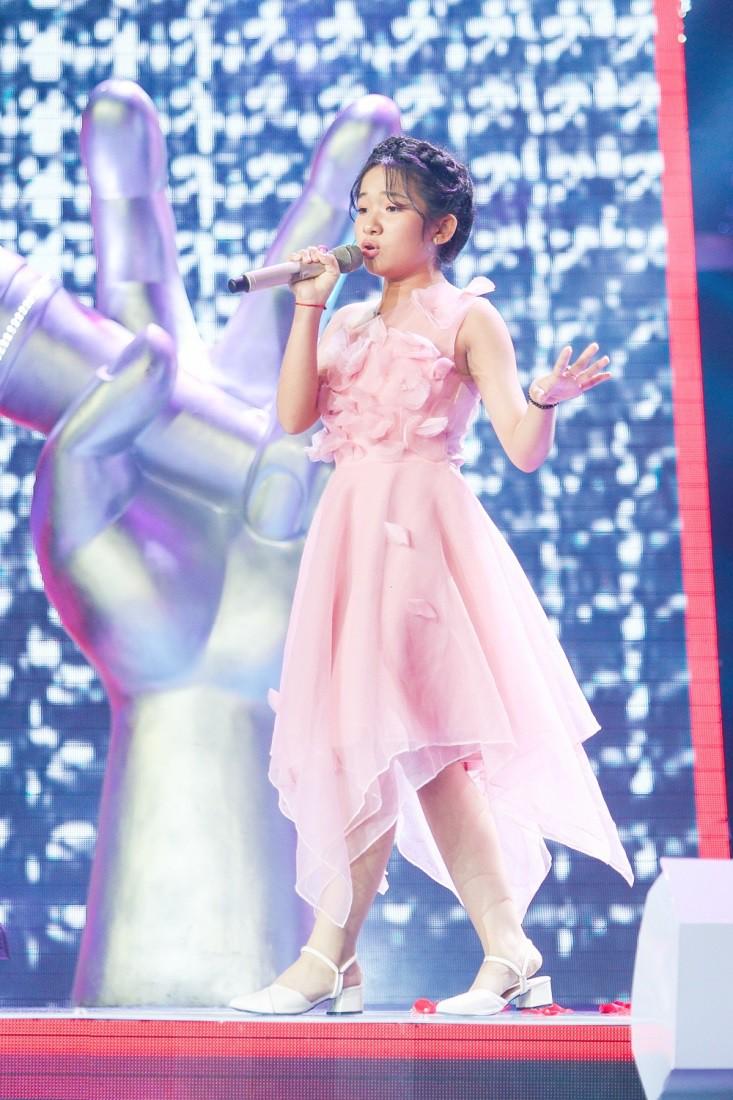"""Hoa hậu Hương Giang khẩu chiến với đàn chị trên ghế nóng The Voice Kids, chưa bao giờ nàng Hoa hậu """"dữ dằn"""" đến thế - Ảnh 20."""