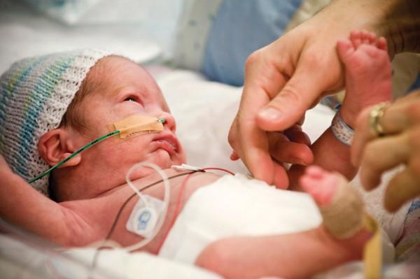Trẻ sinh non lớn lên như thế nào? - Ảnh 1.