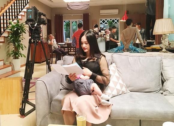 lan-phuong-cho-con-bu-ngoisaovn-3-ngoisao