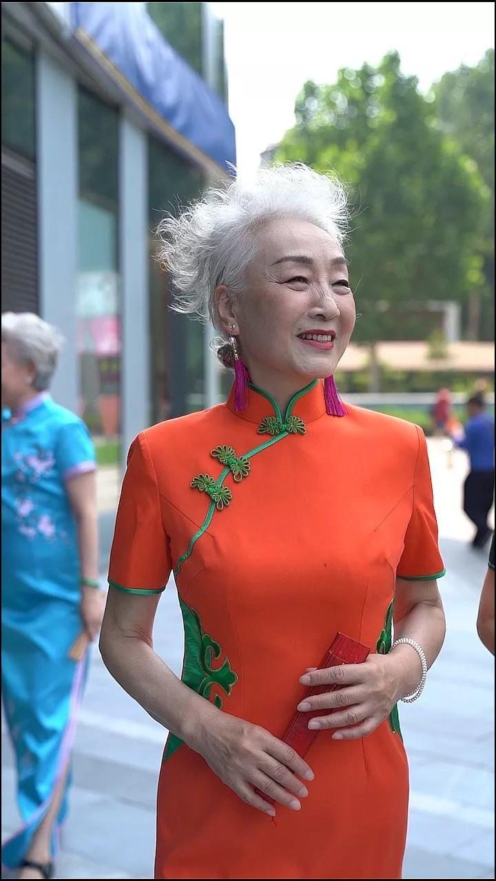 """""""Chất"""" như 4 bà ngoại Trung Quốc: Lúc trẻ làm quan to, về già theo đuổi nghiệp người mẫu để giữ khí chất trường tồn của người phụ nữ  - Ảnh 2."""