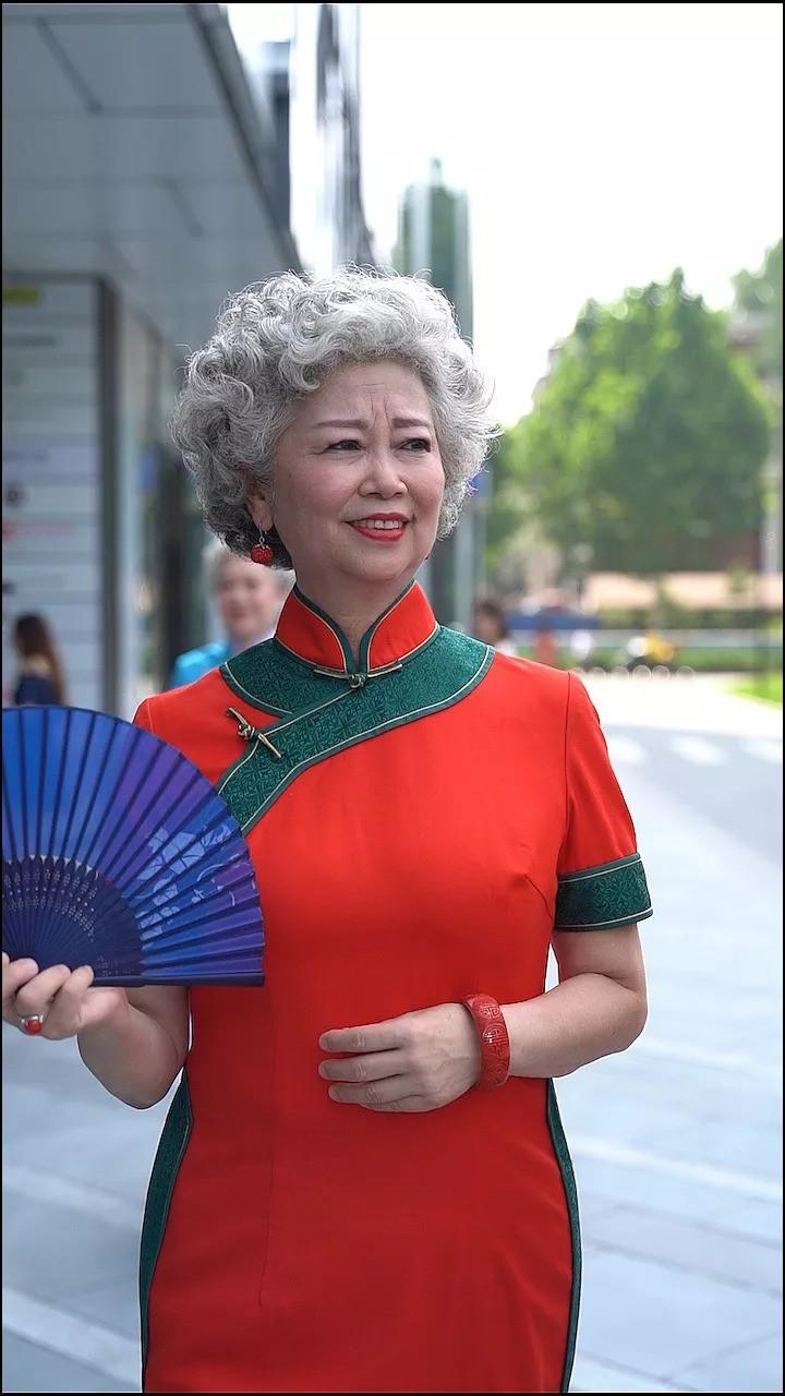 """""""Chất"""" như 4 bà ngoại Trung Quốc: Lúc trẻ làm quan to, về già theo đuổi nghiệp người mẫu để giữ khí chất trường tồn của người phụ nữ  - Ảnh 3."""