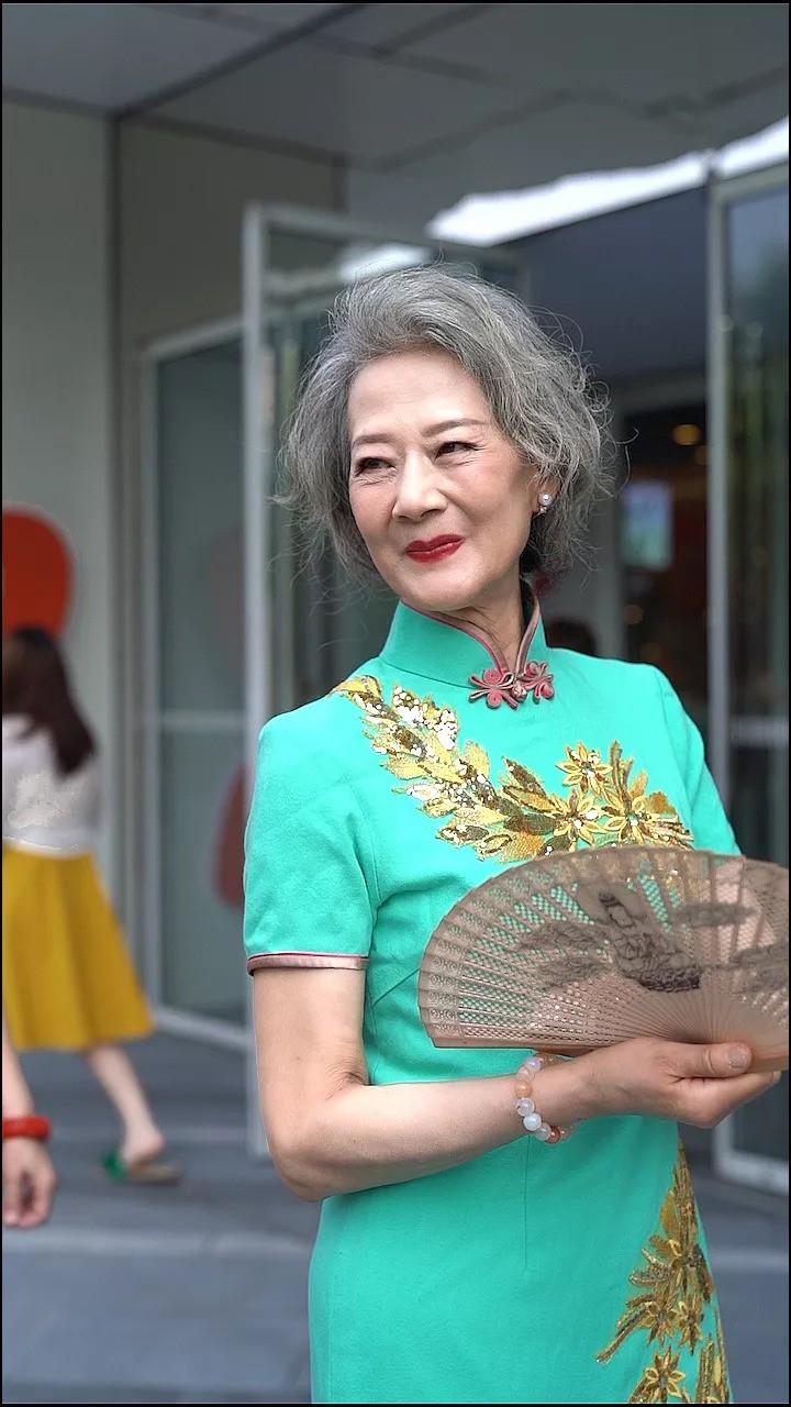 """""""Chất"""" như 4 bà ngoại Trung Quốc: Lúc trẻ làm quan to, về già theo đuổi nghiệp người mẫu để giữ khí chất trường tồn của người phụ nữ  - Ảnh 4."""