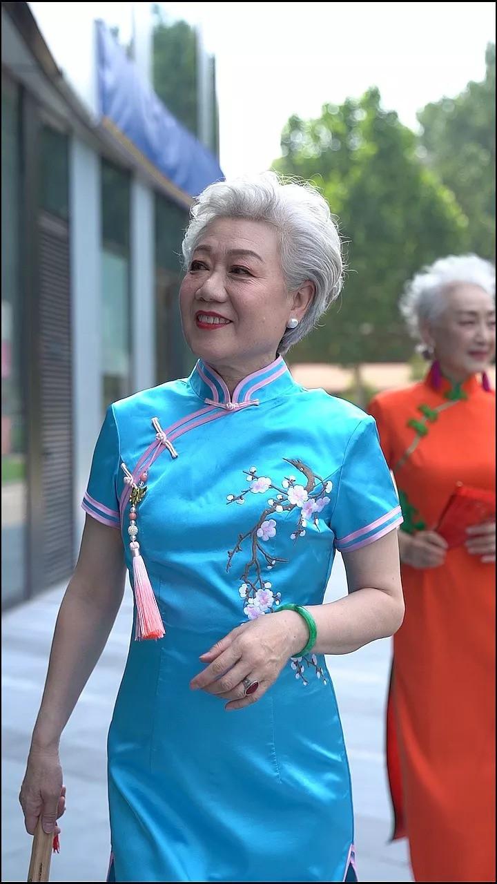 """""""Chất"""" như 4 bà ngoại Trung Quốc: Lúc trẻ làm quan to, về già theo đuổi nghiệp người mẫu để giữ khí chất trường tồn của người phụ nữ  - Ảnh 5."""