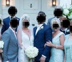 Mẹ chồng kém duyên lên đồ và làm tóc hệt cô dâu trong hôn lễ con trai, ai nhìn vào cũng tưởng nam chính cưới một lúc 2 vợ - Ảnh 2.