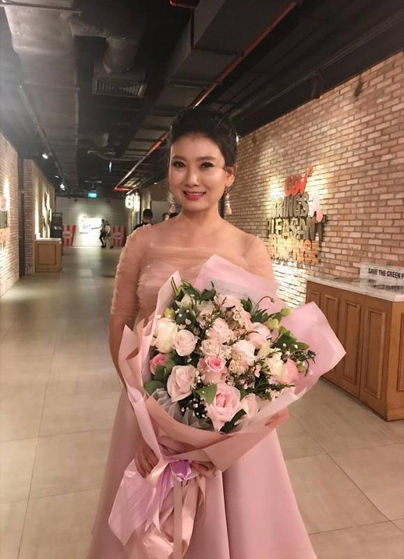 """Cuộc sống ngoài đời của """"mẹ chồng"""" cay nghiệt trên màn ảnh Việt: U50 vẫn cô đơn nhưng nhan sắc lại lão hóa ngược - ảnh 8"""