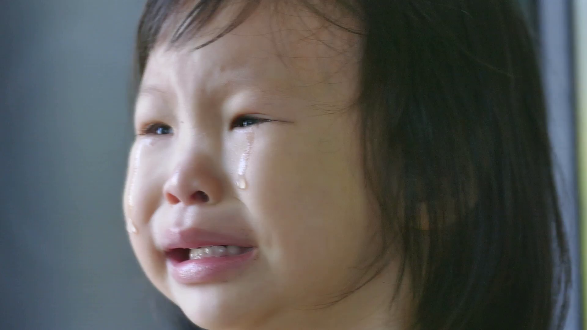 little-asian-girl-crying_ey9jpsxge__F0000
