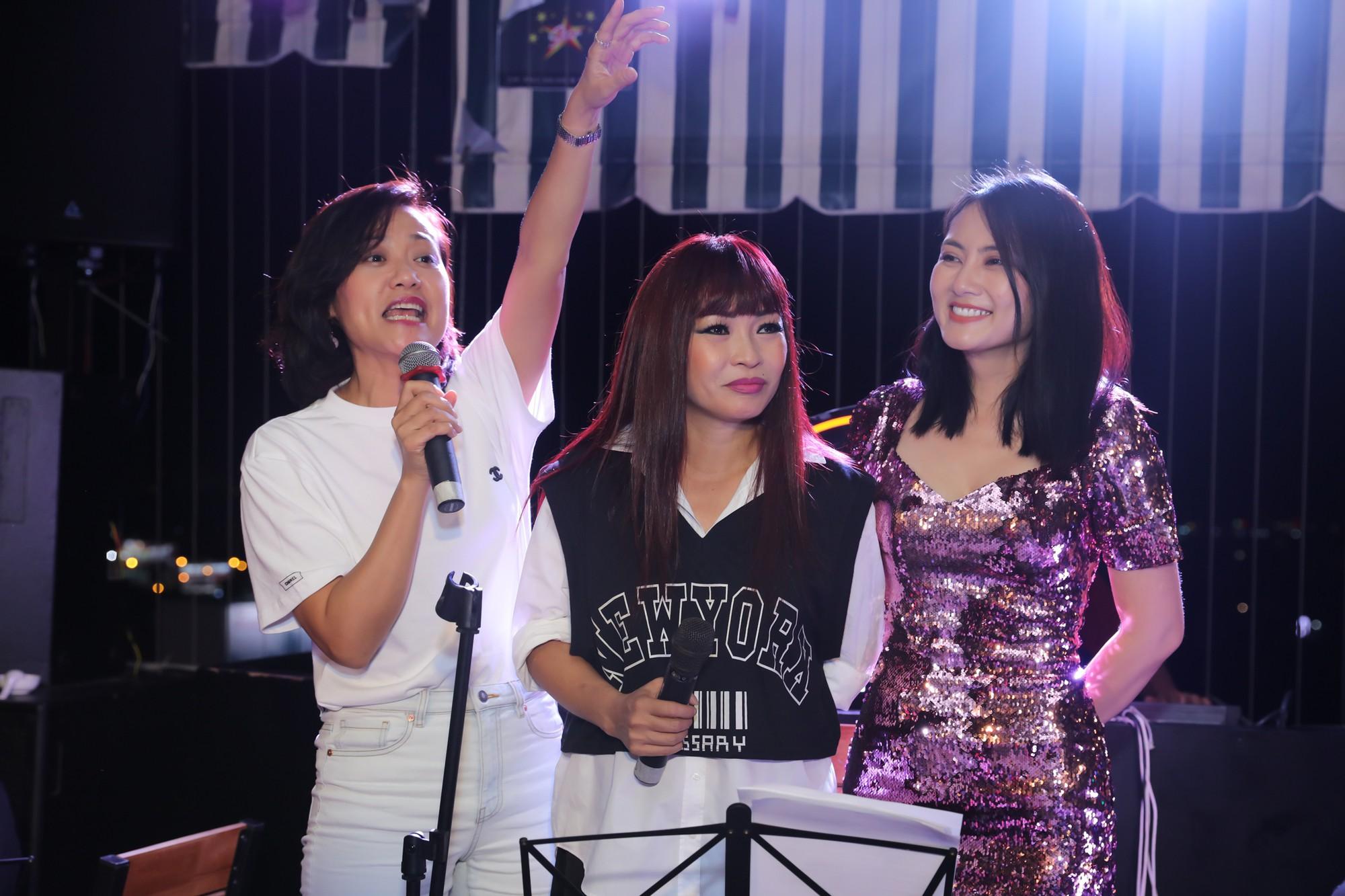 Hong Anh Ngoc Lan lam fan cuong (4)