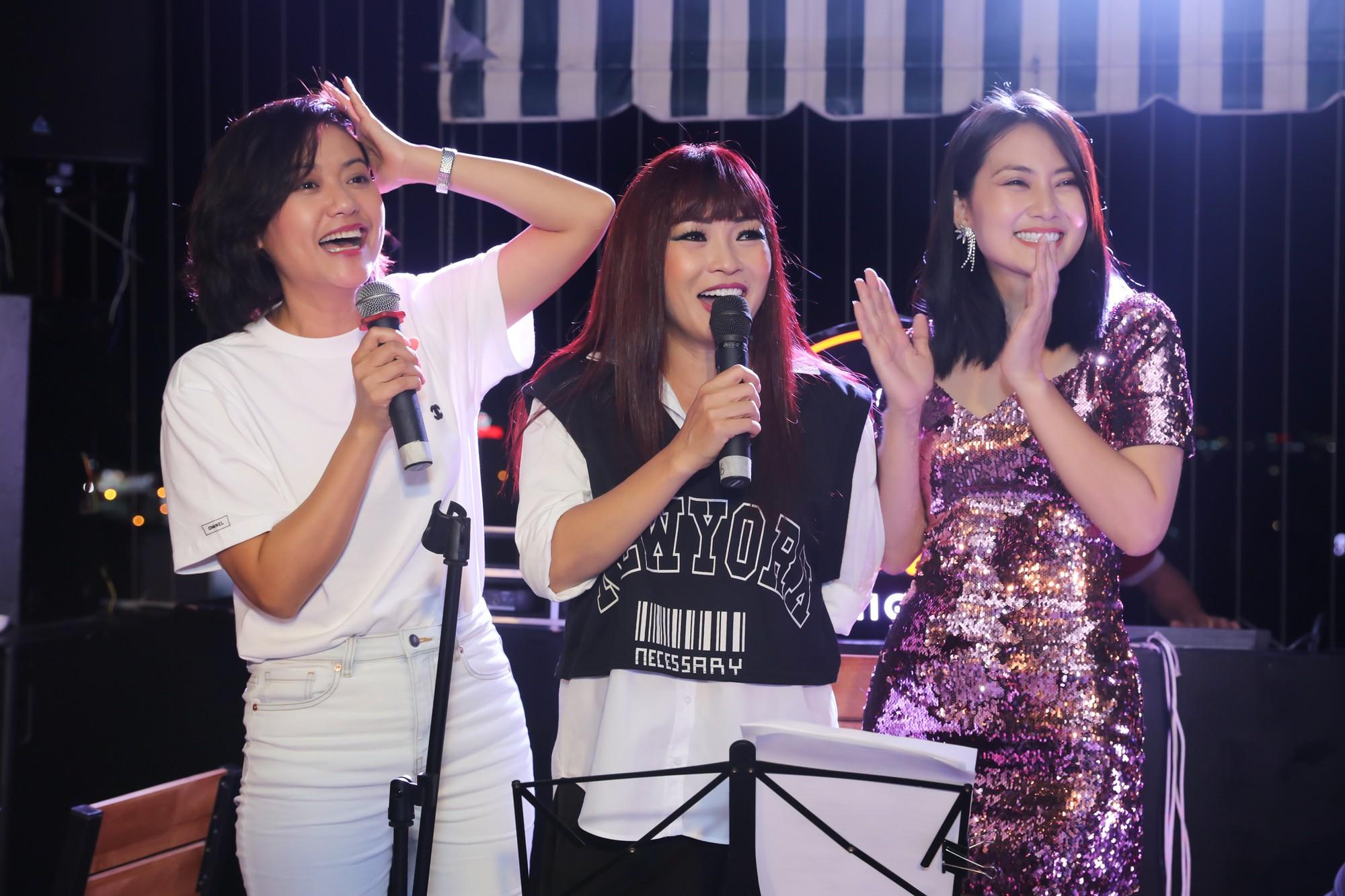 Hong Anh Ngoc Lan lam fan cuong (5)