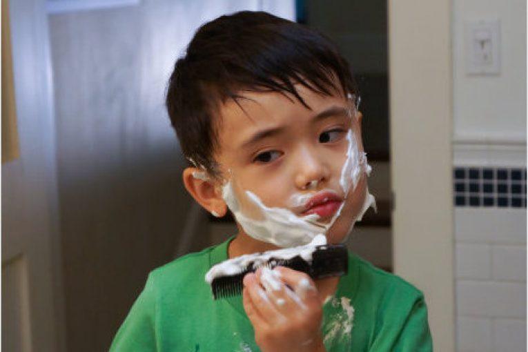 Con trai 10 tuổi mọc râu, quần lót có dịch lạ, bố kiểm tra lịch sử iPad liền ngã ngửa khi hiểu nguyên nhân - Ảnh 2.